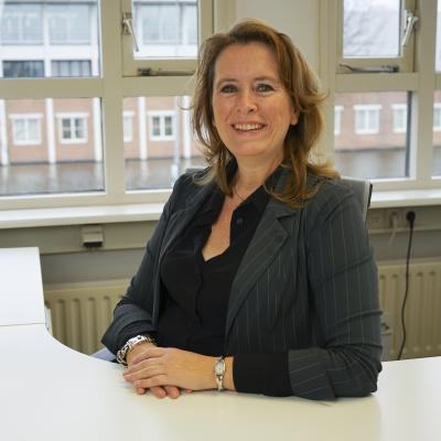Carla van Hirtum